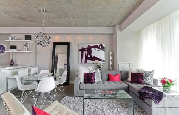 Ceiling design in a studio apartment